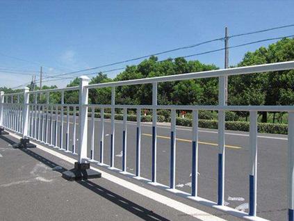重庆道路护栏安装案例